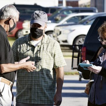 'This is beyond imagination,' — Line of 200 first-day early voters