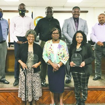 Local women leaders celebrated at meeting